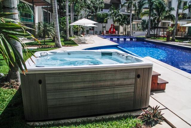 Via 38 - Best pool and place. Luxury 2 bed - Image 1 - Playa del Carmen - rentals