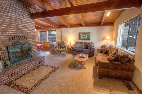 Convenient and Cozy One Level Cabin ~ RA865 - Image 1 - Lake Village - rentals