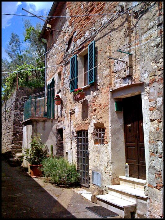 Outside view - Perfect Tuscan Holiday Rental - Sarteano - rentals