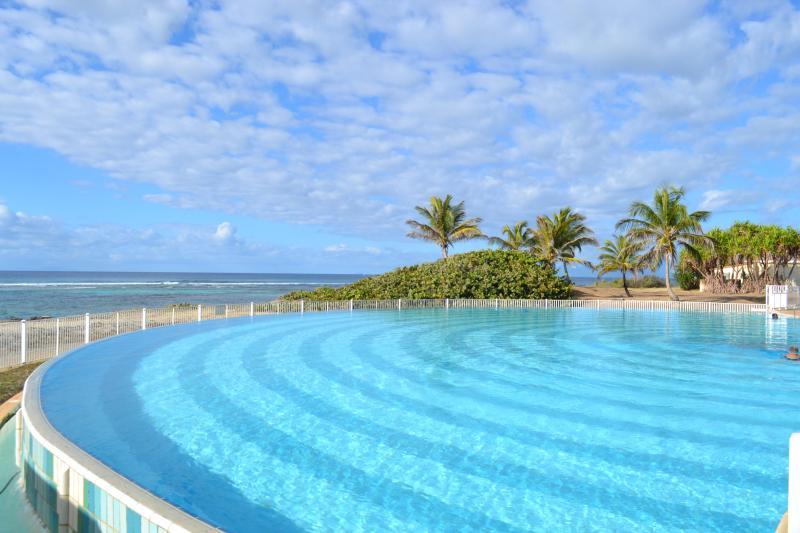 piscine de la résidence - Appartement piscine à débordement et plage privée - Saint-François - rentals