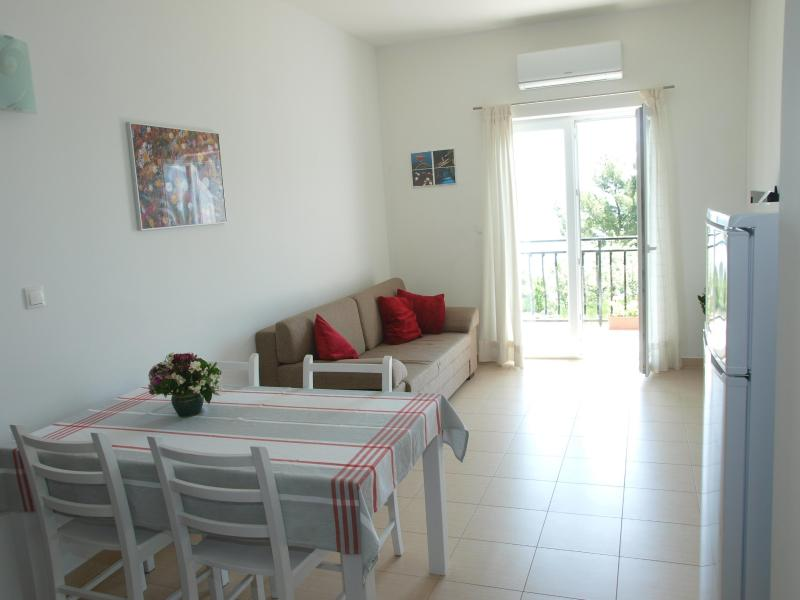 Sea View A1 Apartment With A/C, WI-FI And Parking - Image 1 - Stobrec - rentals