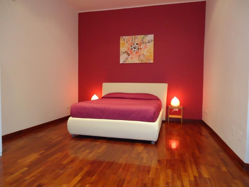 Big, quiet and comfortable apartment at St. Peter - Image 1 - Rome - rentals