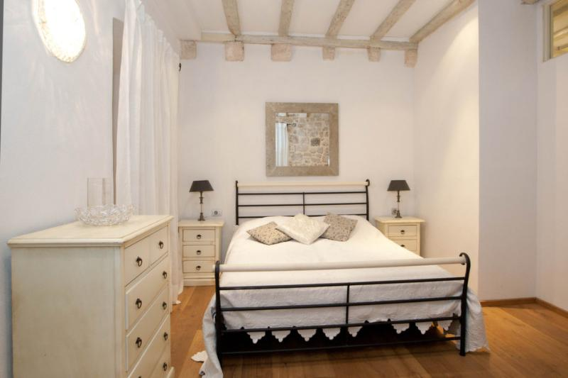 Laurus- the pearl in the hart of the old town - Image 1 - Dubrovnik - rentals