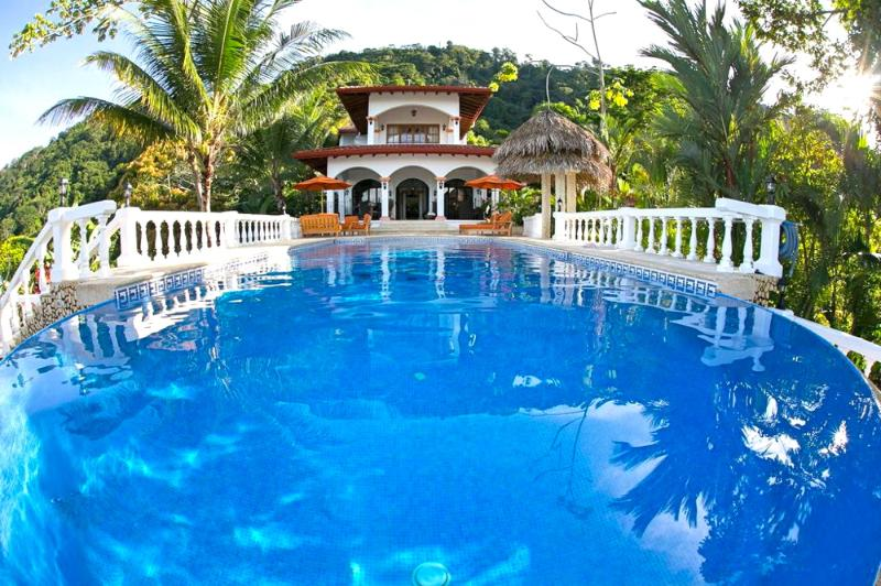 40ft Pool with Villa and surrounding Forest - Your Own Private Mini Resort, Large Private Estate - Dominical - rentals