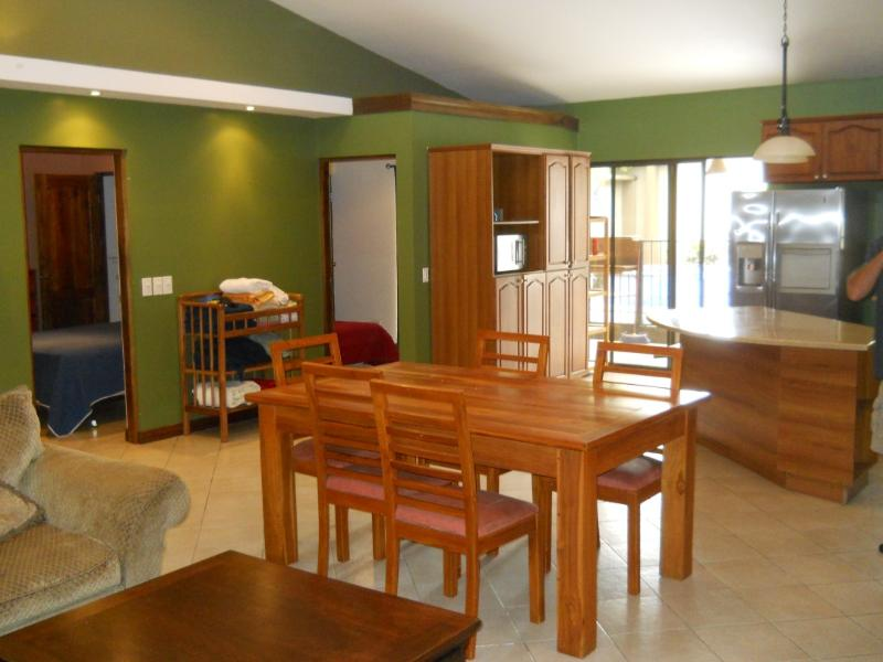 Dinning Room - Jaco Sol 4Bdrm House w/Pool & Hot Water Jacuzzi - Jaco - rentals