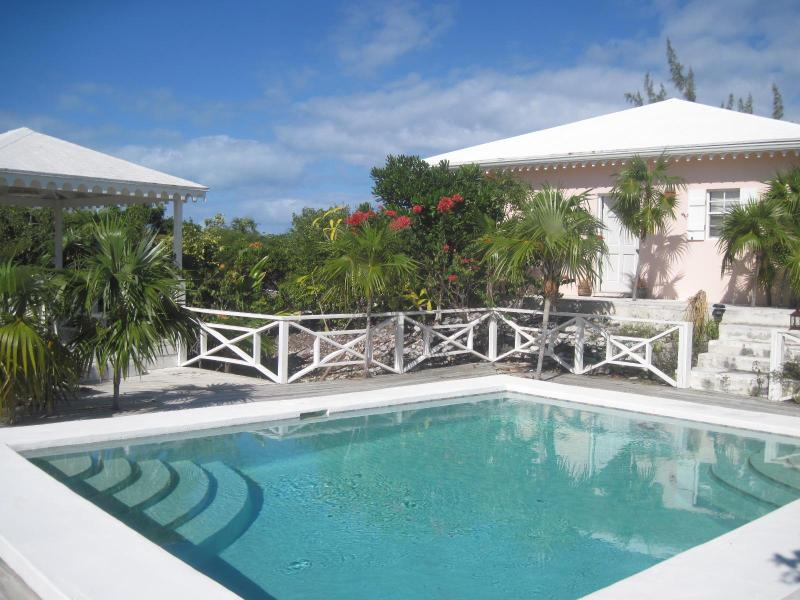 Pretty Cottage in the heart of Grace Bay - Image 1 - Providenciales - rentals