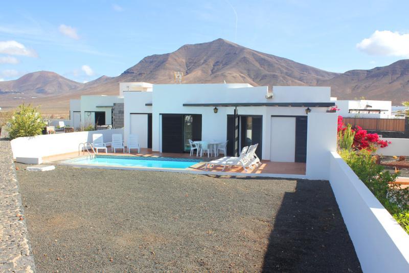 Villa Solymar - Image 1 - Playa Blanca - rentals