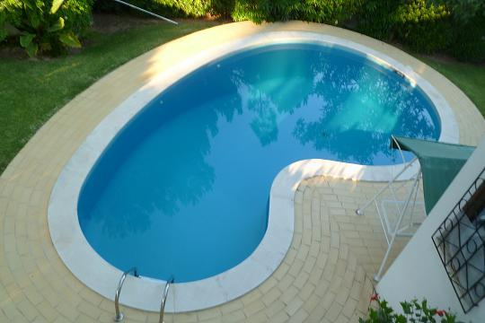 Our large swimming pool is sunny and private all day long! Just for you! - Villa with swiming pool-vilamoura algarve portugal - Vilamoura - rentals