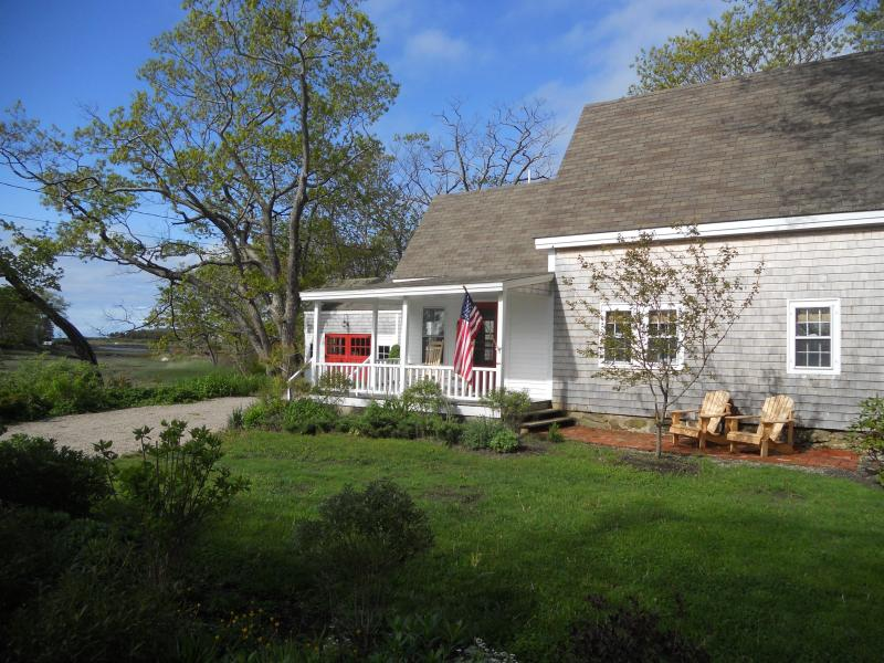 Quintessential Maine cottage in picturesque Cape Porpoise Village - Image 1 - Kennebunkport - rentals