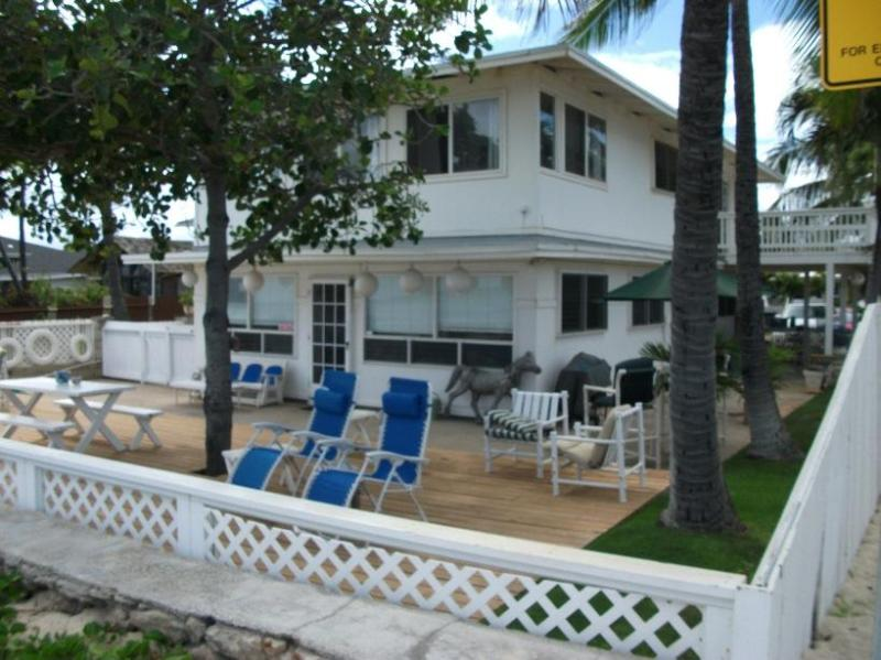 Come Relax Beachfront & Listen to theWaves - Oceanfront!Wedding Guests!Family Getaways!Sports Events! - Ewa Beach - rentals