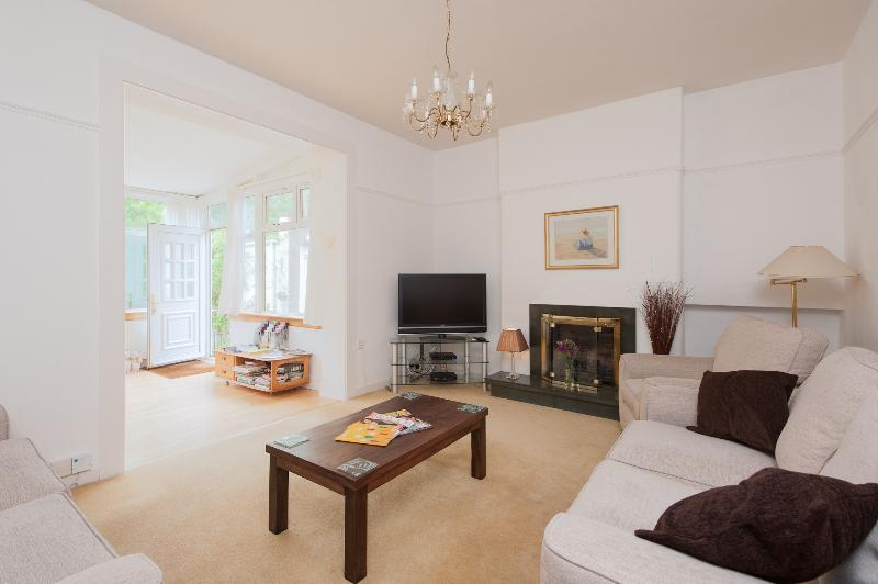 Blinkbonny Road Apartment - Image 1 - Edinburgh - rentals