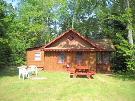 Tuckaway front - Kathan Inn & Resort - Tuckaway (seasonal cabin) - Eagle River - rentals