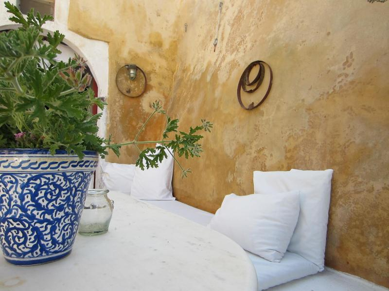 Jasmin theArtist house - Image 1 - Oia - rentals