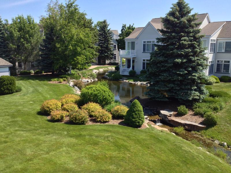 Beautifully Landscapped Harbor Village - Beautifully Decorated Two Story Condo Close to Pool and Beach - Manistee - rentals