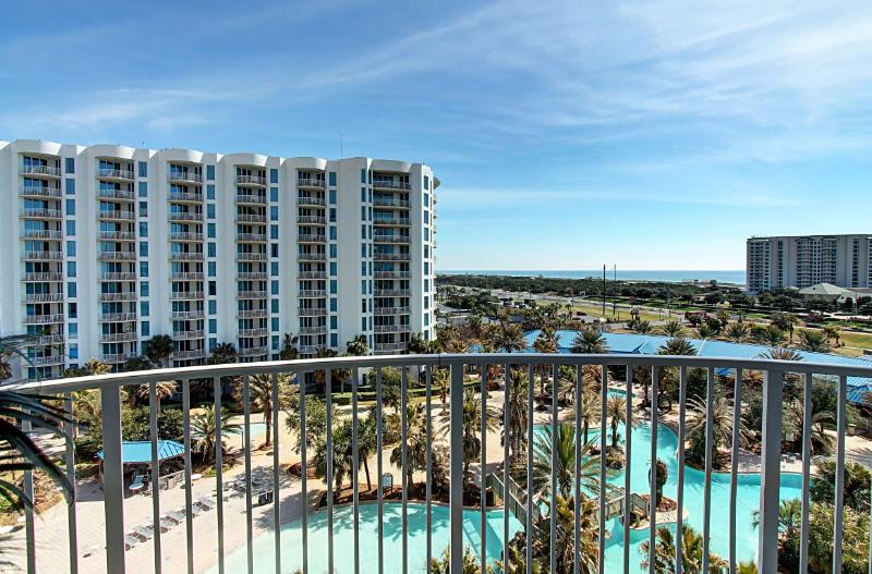 Palms 2713 Jr Ste-AVAIL8/7-14-RealJOY Fun Pass*FREETripIns4NEWFallBkgs*Shuttle2Bch-Lagoon Pool - Image 1 - Destin - rentals