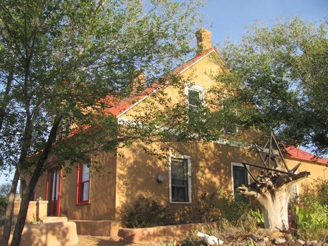 Adobe Manor - Adobe Manor  historic ghost town outside Santa Fe - Cerrillos - rentals