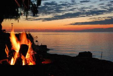 fire at sunset - Lake Ontario/Niagara Falls-Year Round Cottage - Kendall - rentals