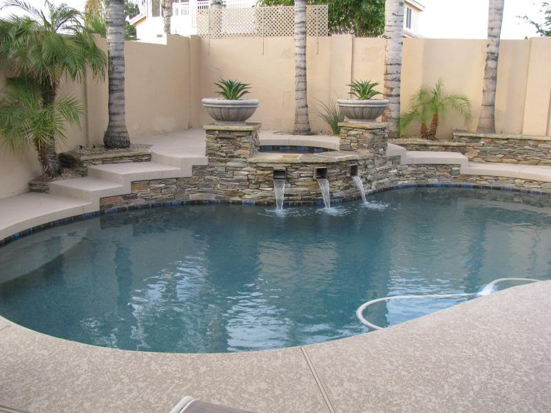 Luxury 'North Glendale' Home W/Heated Pool / Spa & Fireplace. - Image 1 - Glendale - rentals