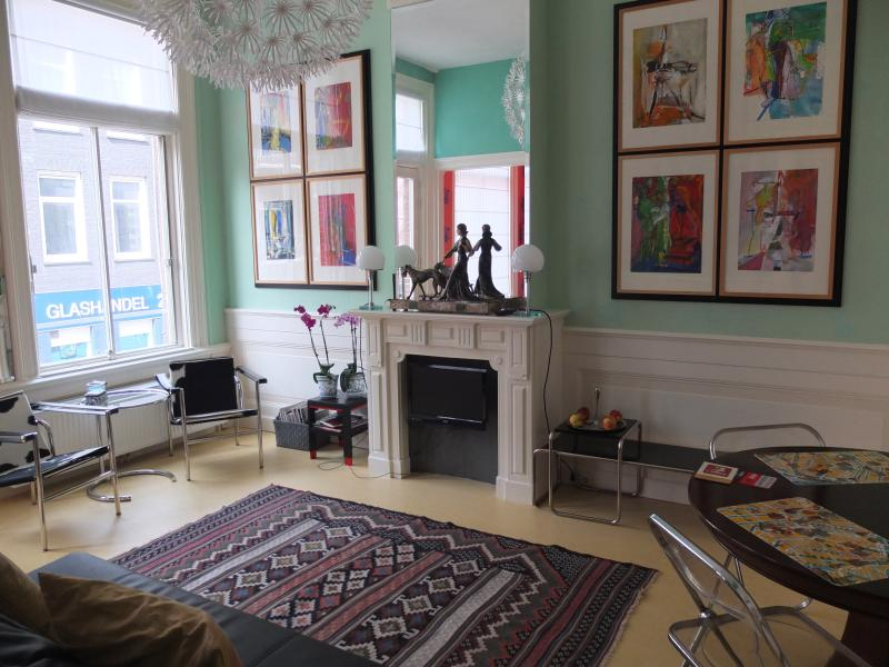 livingroom - Art Apartment Amsterdam - Amsterdam - rentals