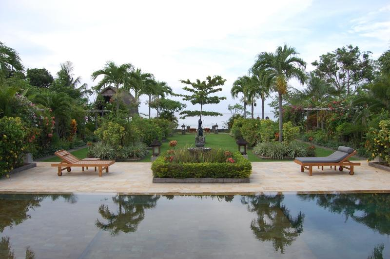View from villa to pool, garden & sea - Beach Front Paradise in North Bali -20% OFF Autumn - Lovina - rentals