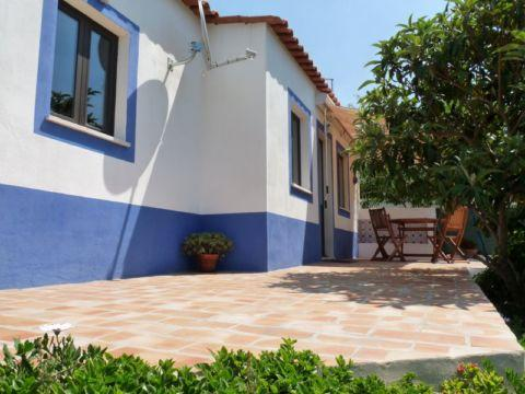 Holiday home in the countryside and near the beach - Image 1 - Armação de Pêra - rentals