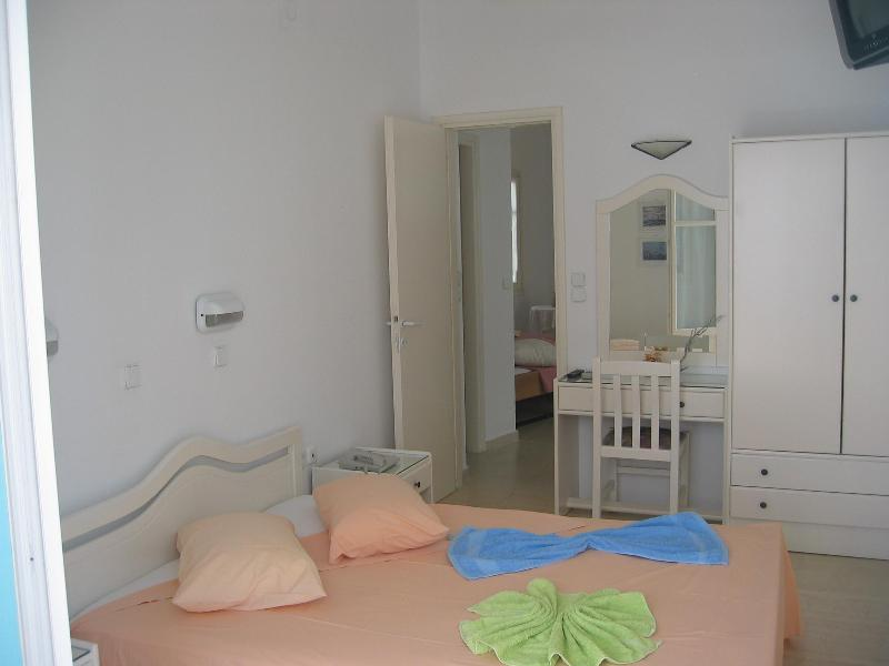 bedroom - piso livadi greece villa Giorgio - Paros - rentals