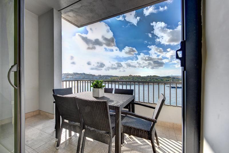 Exceptional Tigne Seafront 4-bedroom apartment - Image 1 - Sliema - rentals