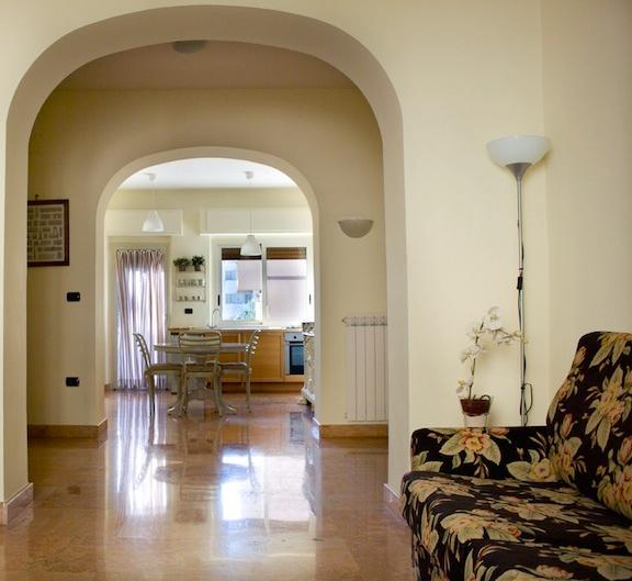CasertaSuite: elegant and central apartment near the Royal Palace - Image 1 - Caserta - rentals