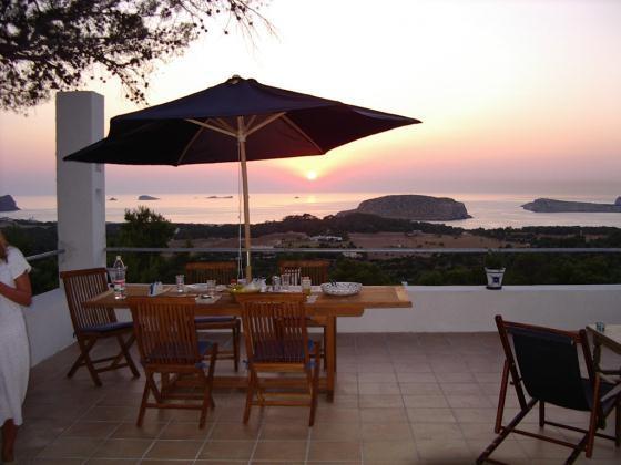 4 bedroom Villa in Cala Conta, Ibiza : ref 2133427 - Image 1 - Cala Tarida - rentals