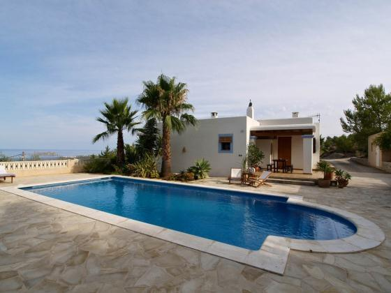 3 bedroom Villa in Cala Tarida, Islas Baleares, Ibiza : ref 2133420 - Image 1 - Cala Tarida - rentals
