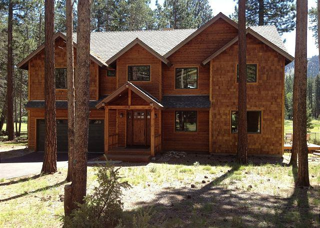 Tahoe Johnson Executive Home - Beautiful executive compound that backs to the golf course!- Four night min - South Lake Tahoe - rentals