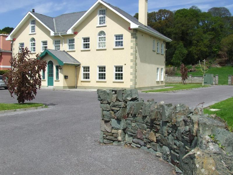 fossa holiday suites - Image 1 - Killarney - rentals
