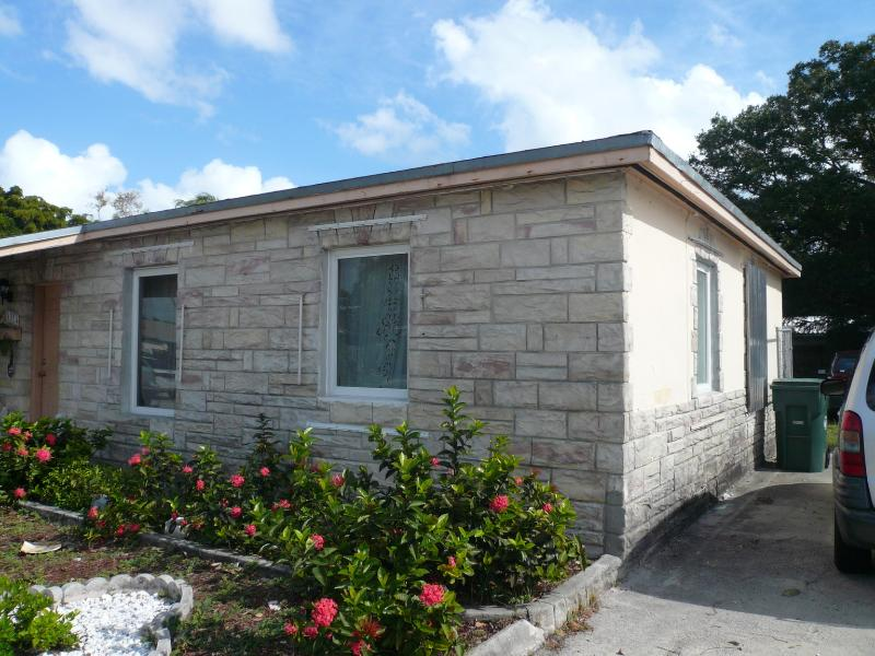 Cottage Style detached home - Gorgeous 2 bedrooms, 1 bath bungalow in Wilton Man - Fort Lauderdale - rentals