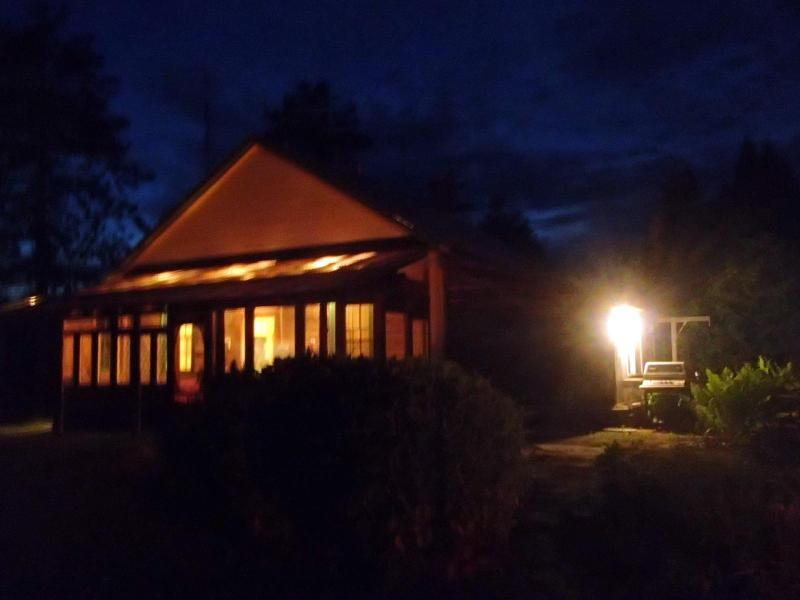 A Midsummer Night's Dream ;-) - Parks School #16 Circa 1870 Enchanted Rural Haven - Tweed - rentals