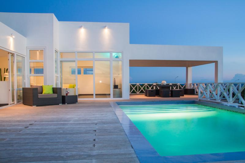 Villa Caribbean Breeze, a new, modern and spacious - Image 1 - Willemstad - rentals