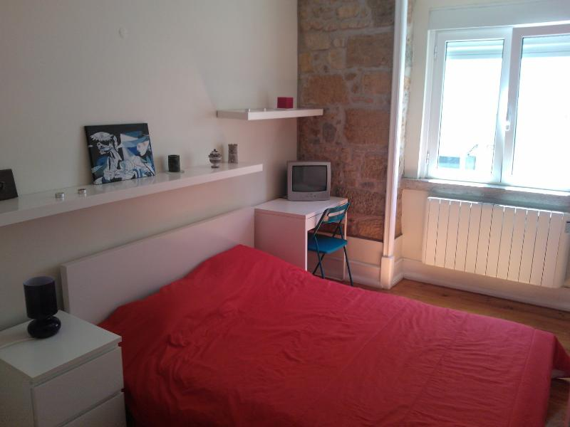 Lisbon Apartment, Bedroom - Image 1 - Abrantes - rentals