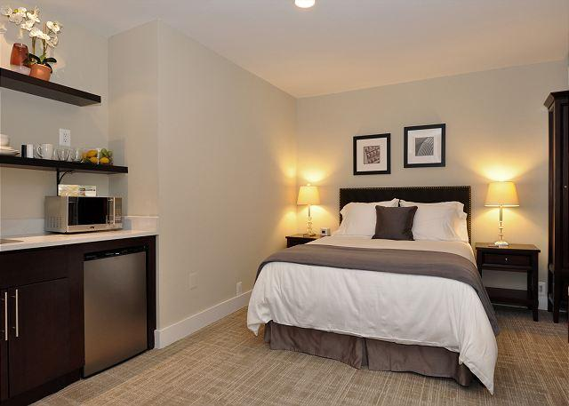 DuPont Place Sudio #6 - DuPont Circle-Adams Morgan Studio-Kitchenette, Parking, Metro 3 blks - Washington DC - rentals