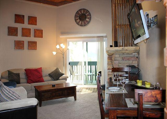 TH302H Awesome Condo w/Wifi, Clubhouse, Mountain Views - Image 1 - Silverthorne - rentals