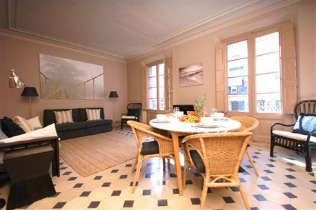 Barcino Apartment E - Image 1 - Barcelona - rentals