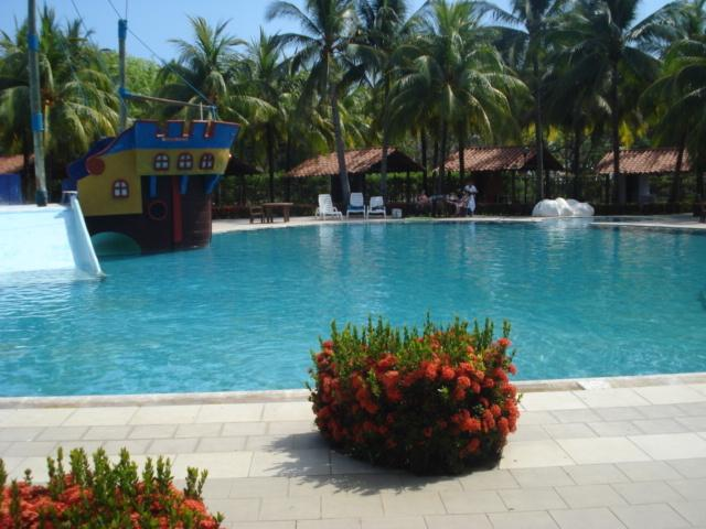 Large club pools ocean front - PRIVATE BEACH HOUSE AT LAS VERANERAS RESORT - Sonsonate Department - rentals
