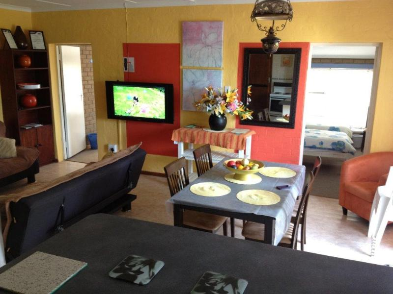 Open plan living area - Stilbaai, Western Cape, Apartment, Sleeps 8 & DSTV - Western Cape - rentals