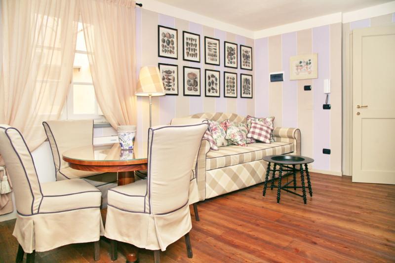 living room - Brilliant Apartment at Anfiteatre in Lucca Center - Lucca - rentals
