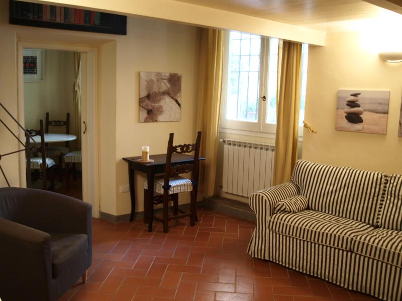 Living room with sofa bed - Corte Segreta Santa Croce Firenze - Florence - rentals