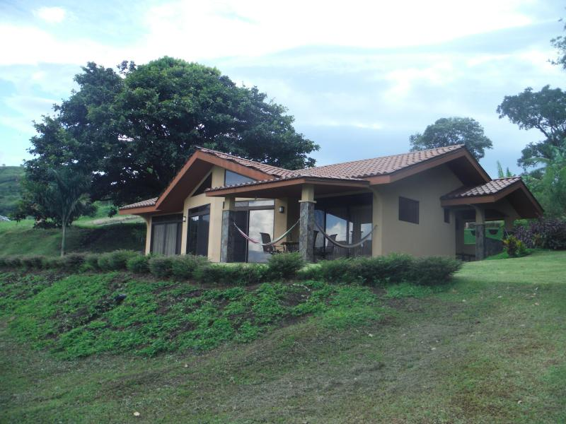 Facing the lake - Beautiful house on Lake Arenal, Costa Rica - Tilaran - rentals