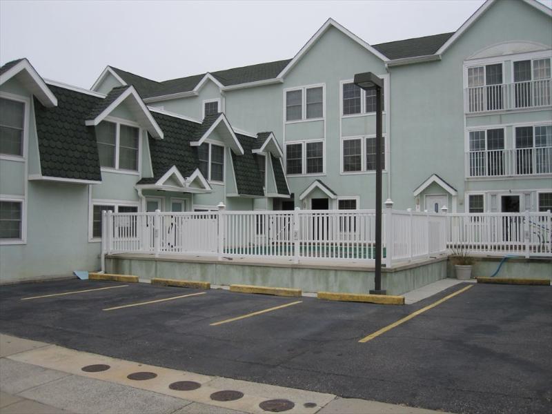 Sea Bird Condominiums 106725 - Image 1 - Wildwood - rentals