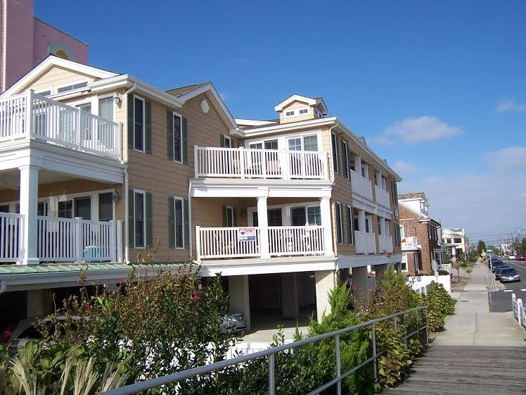 1500 boardwak 113865 - Image 1 - Ocean City - rentals