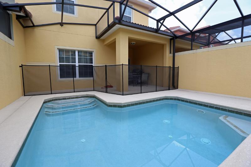 PARADISE PALMS RESORT EC- - 4 BD / splash pool - Do drop In! Why Wait? not  a typical Vacation T - Image 1 - Kissimmee - rentals