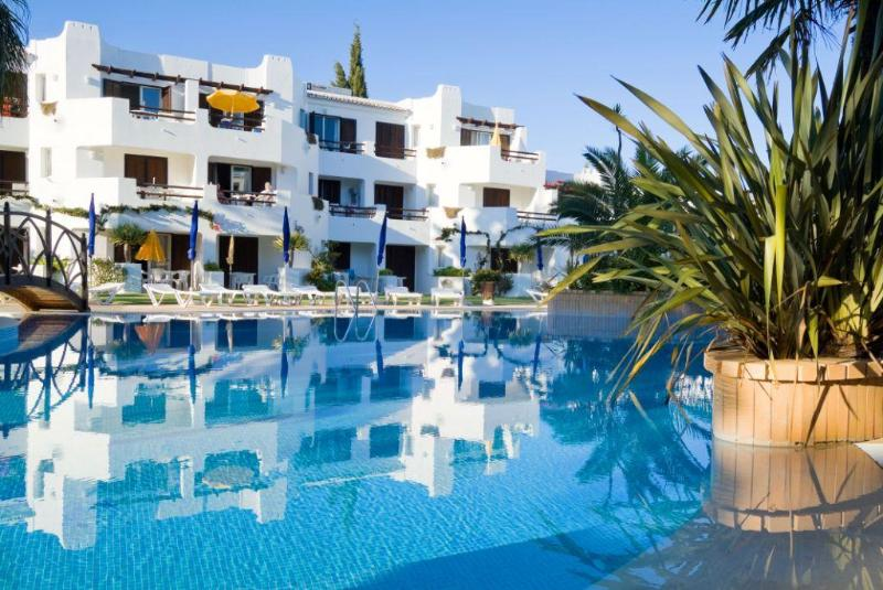 TWO BEDROOM APARTMENT STANDARD IN RESORT JUST 500 METRES FROM MARIA LUÍSA BEACH REF. BALGOL110373 - Image 1 - Albufeira - rentals