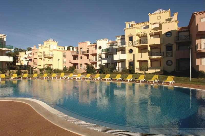TWO BEDROOM APARTMENT IN VILAMOURA 3KM FROM GOLF COURSES AND FALESIA BEACH - REF.EDV110897 - Image 1 - Quarteira - rentals