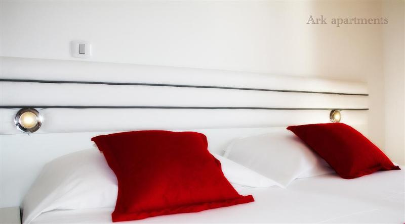 Clean & Comfortable King Bed - Ark apartment, luxury secluded by the beach V - Split - rentals